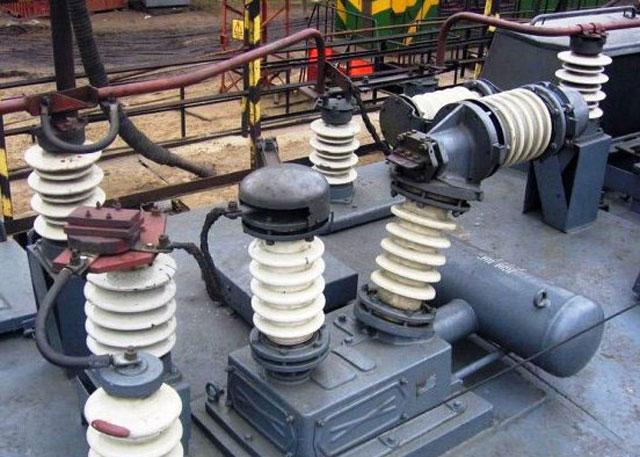 главный выключатель ВОВ-25-4М